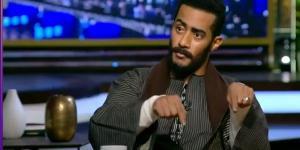 """محمد رمضان يكشف حقيقة مشاهد """"رمي الأموال"""""""