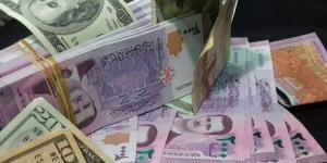 تحسن الليرة السورية بعد قرار رفع سعر الصرف