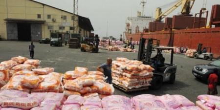 تجار الهند يوقفون الصادرات لإيران