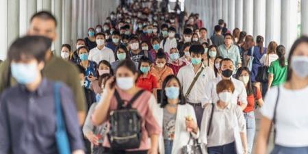 خبر مخيب.. الصحة العالمية تحذر من موجتين ثالثة ورابعة