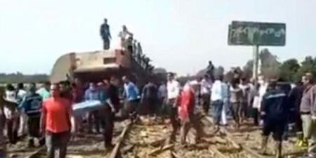 بالفيديو ـ ضحايا وإصابات في حادث قطار جديد في مصر
